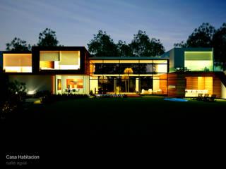 CASA RESIDENCIAL – De grandes proporciones.: Casas de estilo  por ESQUEMA Donde Surgen las Ideas