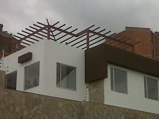 TECAS PISOS Y MADERAS SAS Varanda, alpendre e terraçoMobiliário
