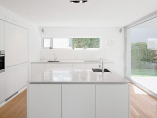 Built-in kitchens by Lennart Wiedemuth / Architekturfotografie,