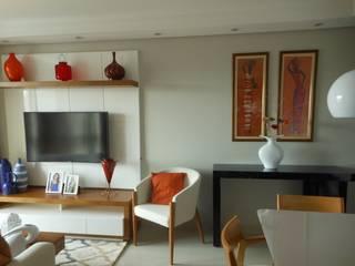 Sala Estar e Jantar Integradas: Salas de estar  por Arquiteta Elaine Silva