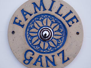 Türschild, Namensschild aus Keramik  mit Türklingel:  Einfamilienhaus von Keramikwerkstatt Johanna Brückner