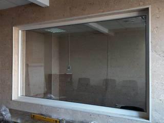 Зеркало для фокус-групп Стекляшка Офисные помещения в стиле минимализм Стекло Бежевый