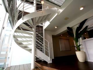 階段: Arms DESIGNが手掛けたです。