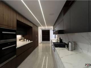 PROYECTO BOSQUE DE MANZANOS: Cocinas equipadas de estilo  por ARTE CUCINE/ PEDINI SAN ANGEL