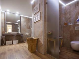 Apartamento em Cascais Casas de banho clássicas por Atelier d'Maison Clássico