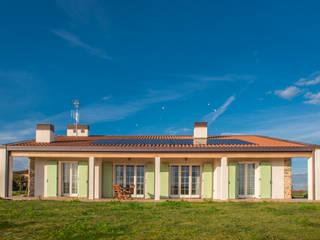 Villa Bagnoli - tradizione/innovazione Case moderne di Arkinprogress Moderno