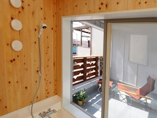Baños de estilo moderno de 遠藤浩建築設計事務所 H,ENDOH ARCHTECT & ASSOCIATES Moderno