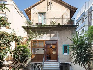 Reforma y renovación de una casa muy pequeña unifamiliar en Barcelona AlbertBrito Arquitectura Casas unifamilares Piedra Beige