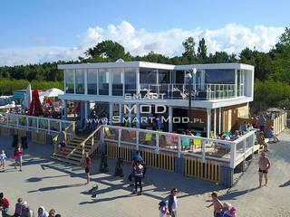 Bar na plaży Smart Mod Domy modułowe Nowoczesny balkon, taras i weranda