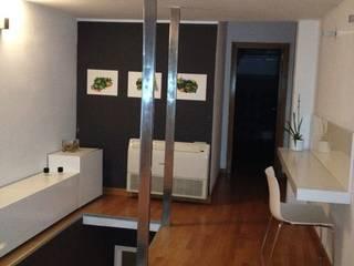 REFORMA INTEGRAL VIVIENDA EN VALENCIA Salones de estilo moderno de AQ ARQUITECTURA Moderno