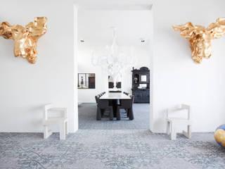 Eclectische woonkamers van Soluzioni di casa Eclectisch