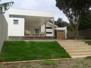Construção de Anexo e Reforma de Residência – Centro, Sarutaiá - SP Casas modernas por Cristhiano Aguiar - Arquitetura Moderno