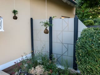 ZAUN-AUS-GLAS Jardines de estilo moderno Vidrio