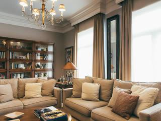 غرفة المعيشة تنفيذ LUCIA PARGA INTERIORISTA