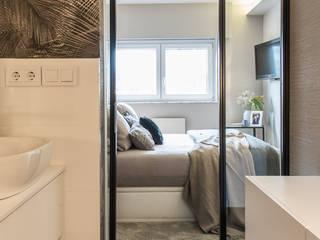 Reforma integral de un piso en A Coruña Dormitorios de estilo ecléctico de LUCIA PARGA INTERIORISTA Ecléctico