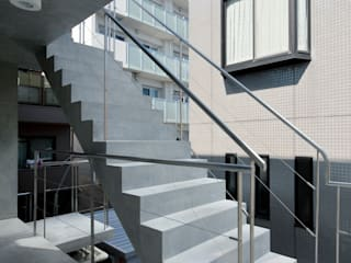 Seven Blocks: studio M architects / 有限会社 スタジオ エム 一級建築士事務所が手掛けた階段です。