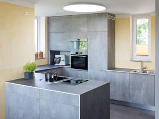 by Neue Räume GmbH Modern