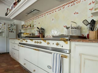 Classic style kitchen by Pixiflat Classic
