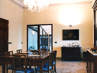 Ristrutturazione villa: Soggiorno in stile  di Studio Galantini