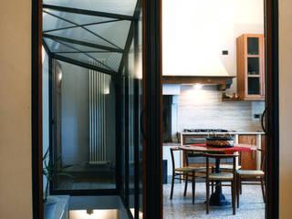 Ristrutturazione villa: Cucina in stile  di Studio Galantini