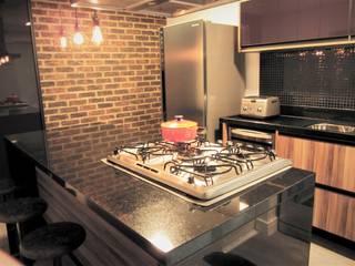 Reforma antes e depois cozinha por silvia crevelaro arquitetura Moderno