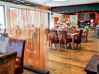 Sichtschutz für die Gastronomie:   von www.skydesign.news - Raumteiler aus Berlin
