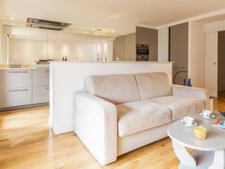 Modern living room by Casavog Modern