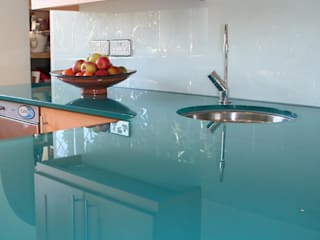 Glass worktops:  Hotels by Ion Glass