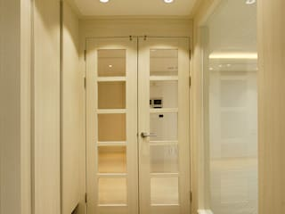 광장동 워커힐팰리스 36py 현관: Design Daroom 디자인다룸의  복도 & 현관