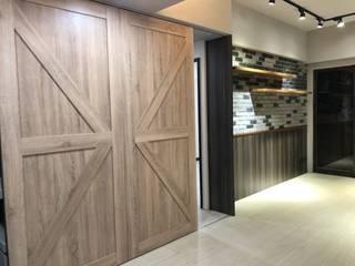 穀倉滑門:   by 藏私系統傢俱