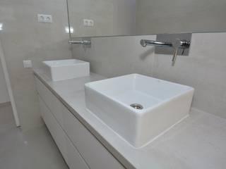 Baño: Baños de estilo  de SP_Arquitectura