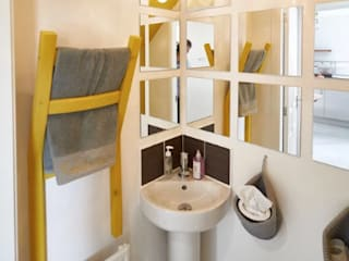 The Yellow Room Kamar Mandi Modern Oleh Aorta the heart of art Modern