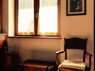 Country house: Soggiorno in stile  di VITAE DESIGN STUDIO