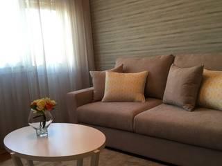 A sala de estar: Salas de estar  por Cássia Lignéa