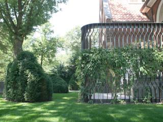 Classic style garden by Andredw van Egmond | designing garden and landscape Classic