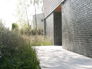 Minimal gestures:  Garden by Andredw van Egmond  |  designing garden and landscape