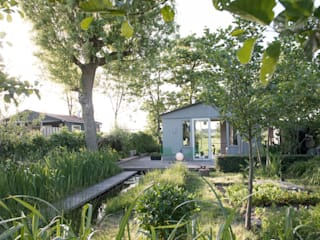 ​Cabin in the fields Country style garden by Andredw van Egmond | designing garden and landscape Country