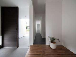 koku モダンスタイルの 玄関&廊下&階段 の e do design 一級建築士事務所 モダン