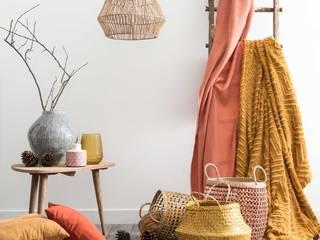 Lámpara de techo de fibra vegetal:  de estilo  de MAISONS DU MONDE