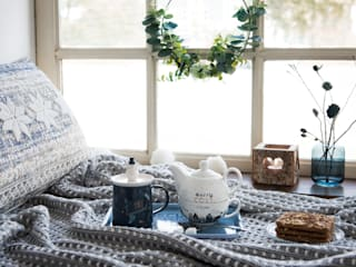 Entra en calor con un té gracias a la tendencia Cosy Blue:  de estilo  de MAISONS DU MONDE