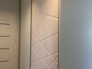 Moderne Designe Garderobe in weiß Hochglanz : modern  von HOME INNOVATIS - Möbel nach Maß,Modern