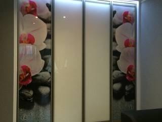 Raumteiler Tür : modern  von HOME INNOVATIS - Möbel nach Maß,Modern