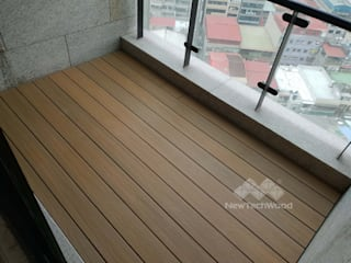 新綠境實業有限公司 Klassischer Balkon, Veranda & Terrasse Holz-Kunststoff-Verbund Gelb