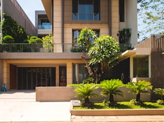 Single family home by Bobos Design