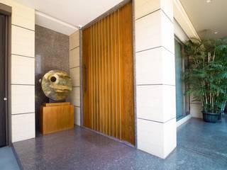 Front doors by Bobos Design