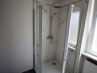 Eleganz vergangener Zeiten für die Zukunft Moderne Badezimmer von Bad Campioni Modern