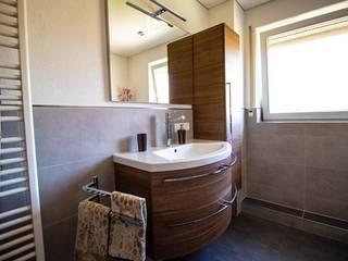 Neuer Schwung fürs Bad Moderne Badezimmer von Bad Campioni Modern