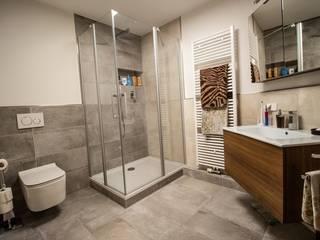 Kein Standard, sondern individuell Moderne Badezimmer von Bad Campioni Modern