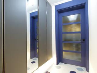 DESIGNCOLORS Modern corridor, hallway & stairs Blue