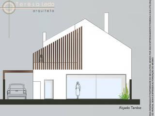 Fachada Posterior: Casas  por Teresa Ledo, arquiteta
